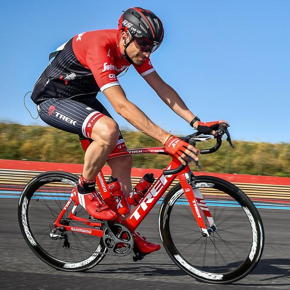 S.JALABERT roule sur le Tour de France  pour le coeur des enfants